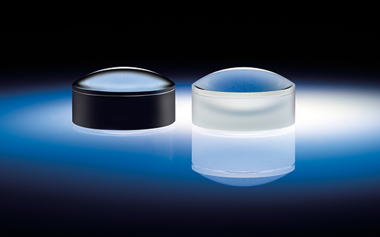 Edge Blackened Lens (left) compared to Standard Lens (right) reduces stray light and increases signal to noise ratio in optical systems